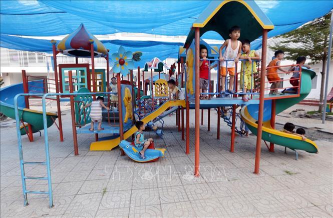 Giá thiết bị khu vui chơi trẻ em