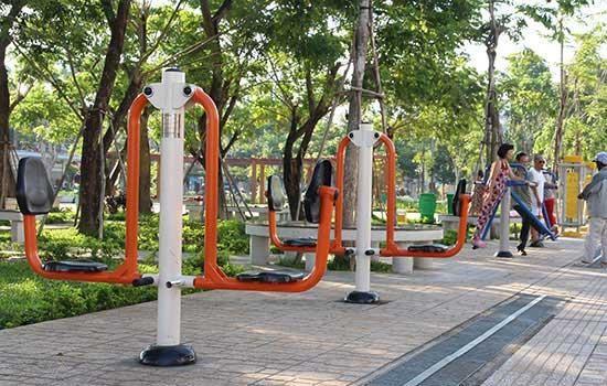 Dụng cụ thể thao ngoài trời giúp rèn luyện sức khỏe tốt hơn